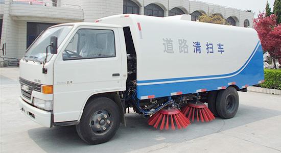 扫路车与吸尘车的区别是什么?
